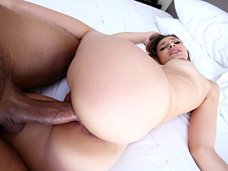 19 year old bootylicious bombshell chick Carmen gets pounded